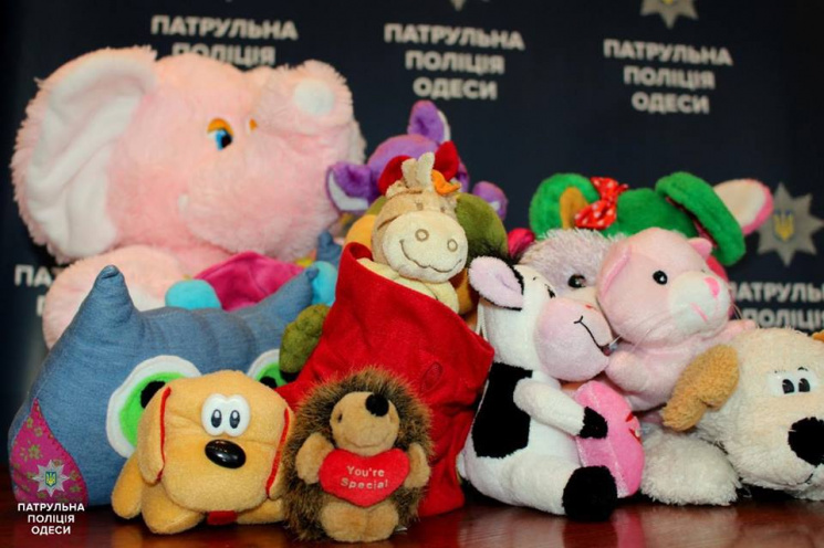Одеські копи будуть втішати малюків пухнастиками (ФОТО)