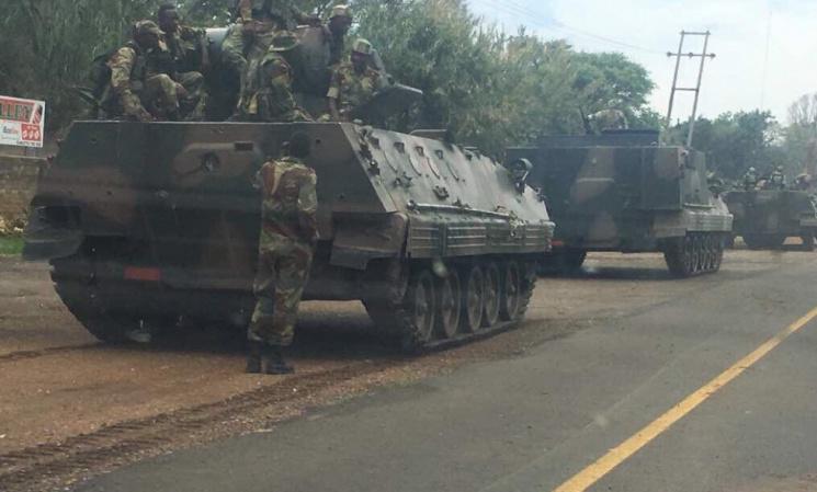 Встолицу страны стягивают танки— Кризис вЗимбабве