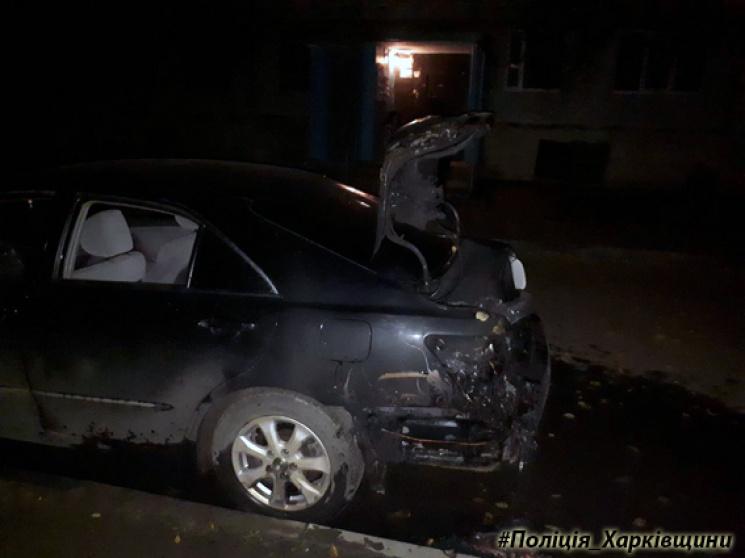 ВХарькове ночью подожгли сразу несколько авто: появились фото