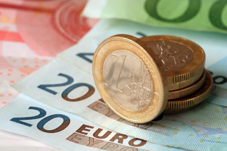 Гривня до євро подешевшала до31,35 грн/€