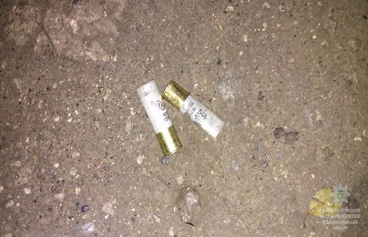 УДніпрі завтомата обстріляли людей біля магазину: є постраждалі