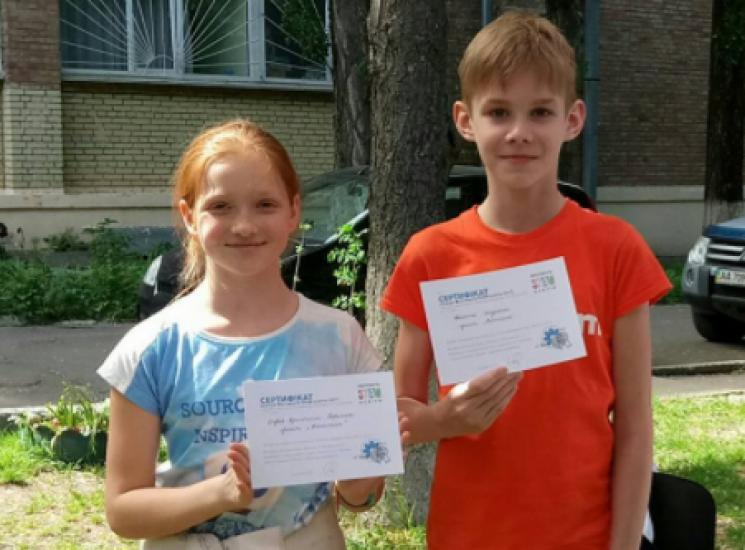 Як 12-річні активісти рятують Україну хр…