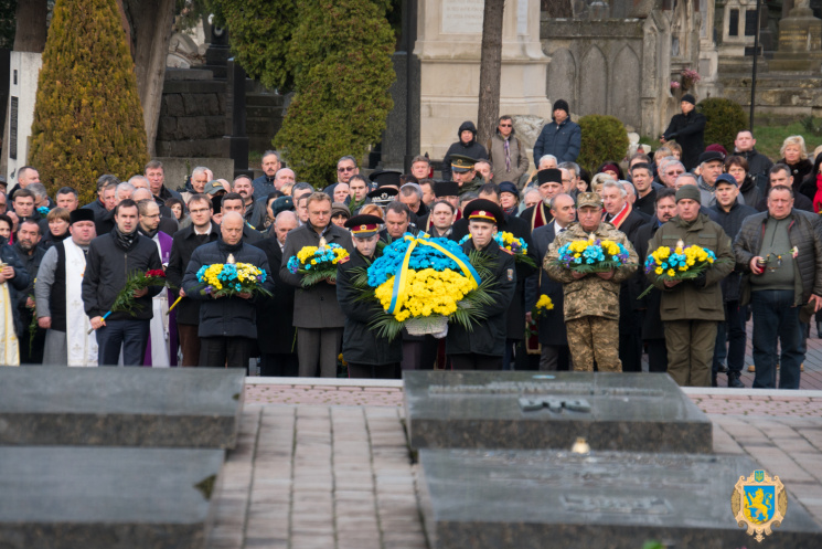 УЛьвові вшанували пам'ять Героїв Небесної сотні та бійців АТО