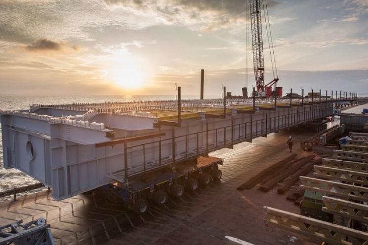 Керченский мост достроили до аннексированной Тузлы