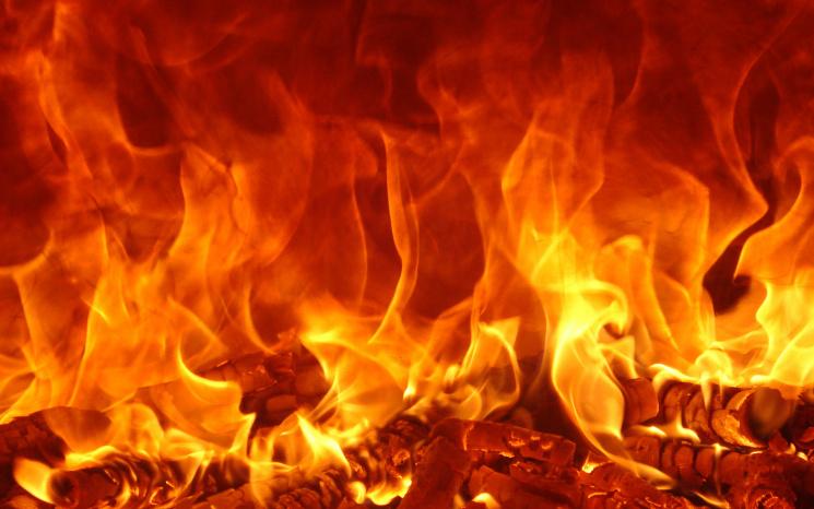 В Киеве подожгли строительство: Из-за огня произошел взрыв газа (ВИДЕО)