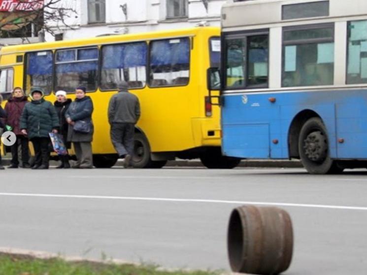 У центрі Полтави в автобуса на ходу відвалилось колесо (ФОТО), фото-2