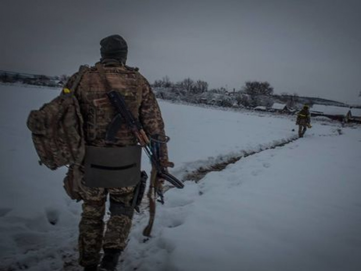 Видео спленным бойцом ВСУ: возникла реакция штаба АТО