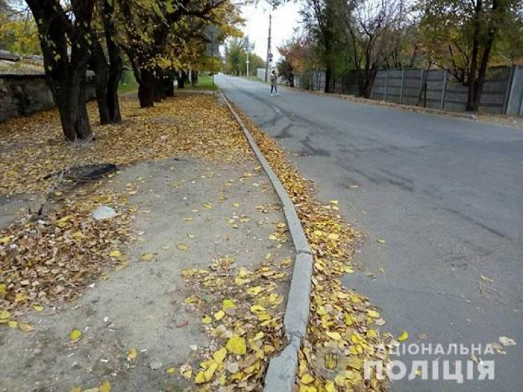 У Миколаєві водій збив жінку та втік з місця ДТП