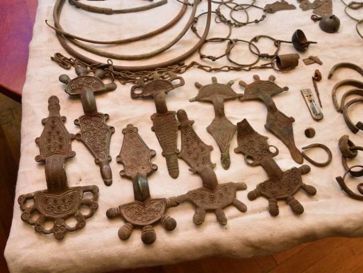 В Сумському краєзнавчому музеї можна подивитись на нещодавно знайдені скарби (ФОТО)