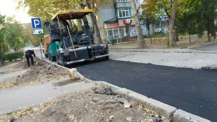 У Корабельному районі Миколаєва ремонтують проїзди (ФОТО)