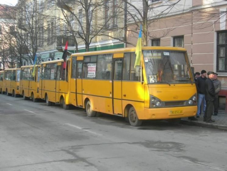 У Тернополі перевізники не вийшли на маршрути. В місті - страйк