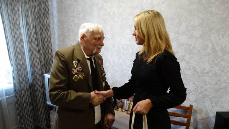 У Сумах привітали 100-річного містянина, який виглядає значно молодшим (ФОТО)