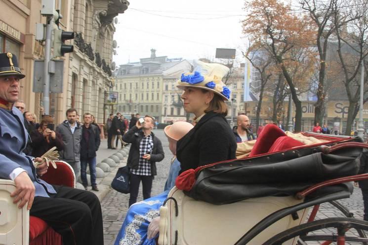 Як у Львові зі зброєю продовжують святкувати 100-річчя ЗУНР (ФОТОРЕПОРТАЖ)