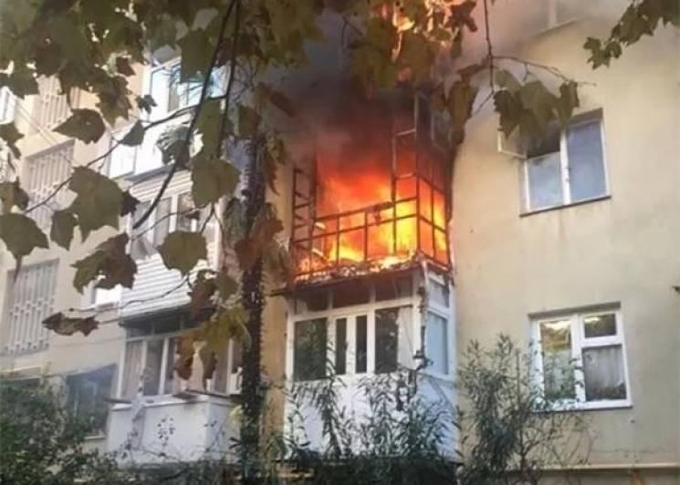 У Сочі згоріла квартира в п'ятиповерхівці
