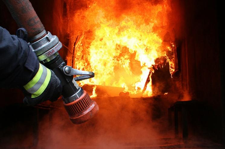 На Тернопільщині у власній оселі згорів чоловік