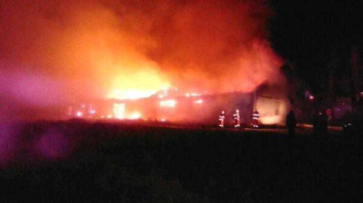 Можливо підпал: В Армянську сталася сильна пожежа