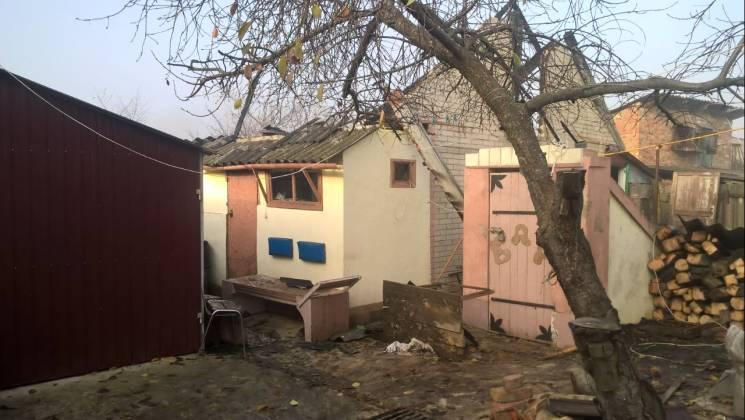На Сумщині бійці ДСНС майже дві години гасили пожежу на приватній території (ФОТО)