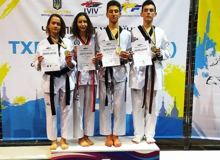 Запорізькі тхеквондисти здобули чотири медалі чемпіонату України (ФОТО)