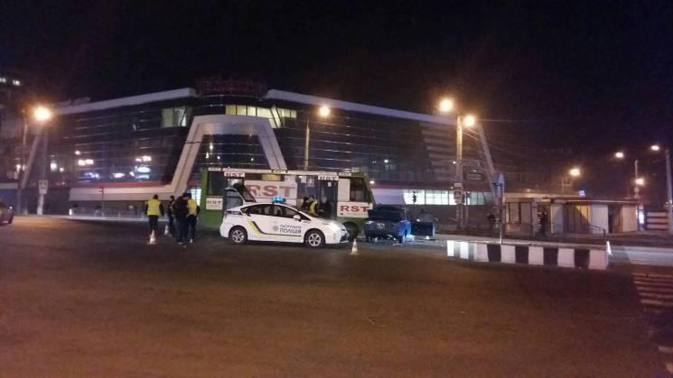 У Харкові сталася аварія з міською маршруткою: Постраждали люди (ФОТО)