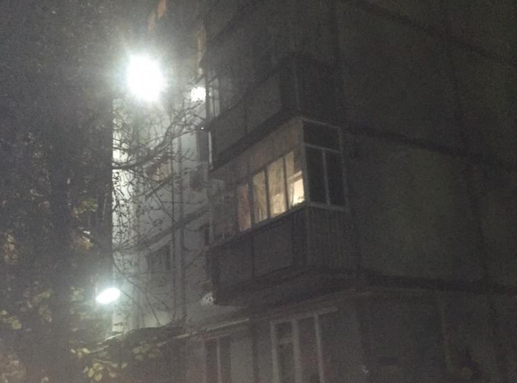 На Запоріжжі жінка зірвалася з п'ятого поверху, - ЗМІ