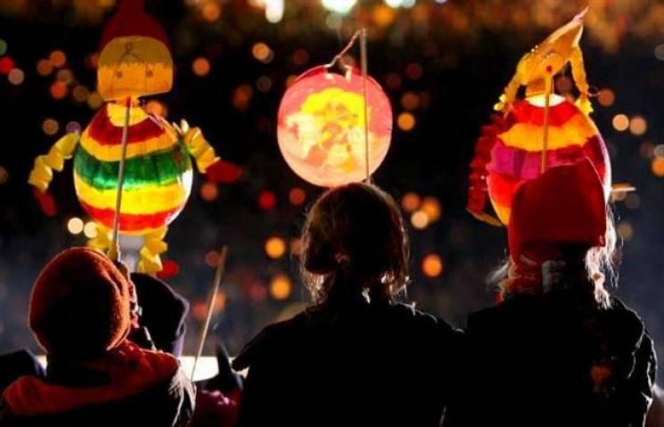 День Мартина з ліхтарями, багато котиків і концерти на будь-який смак: Вихідні на Закарпатті (АФІША)