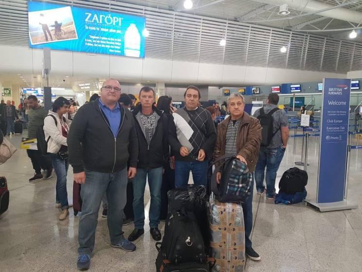 Троє українських моряків, що понад рік утримувалися у Греції, повернулися до Одеси (ФОТО)