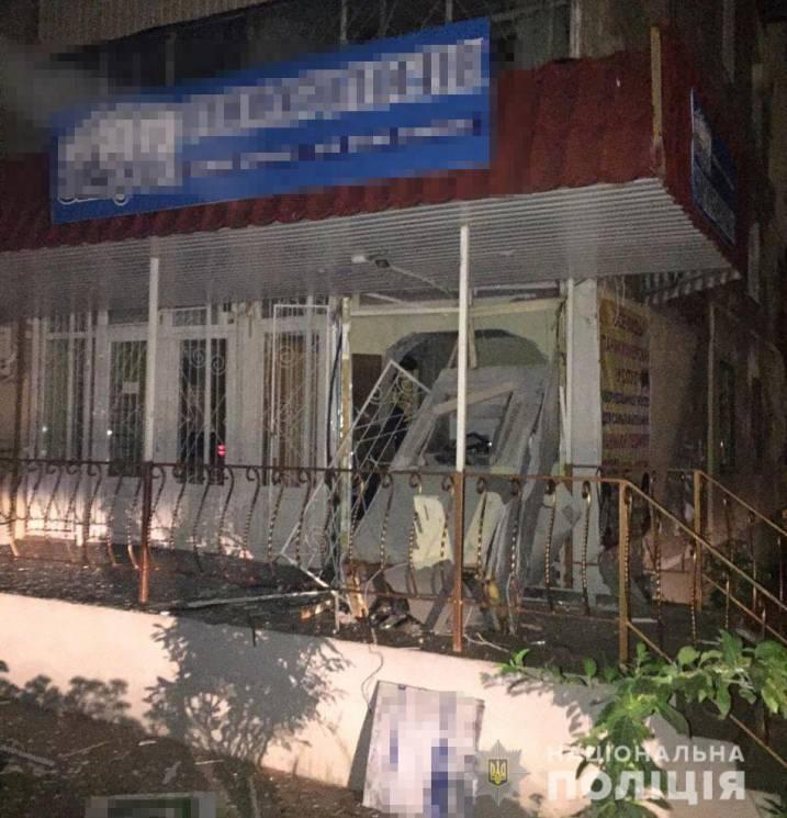"""У Миколаєві """"на гарячому"""" затримали банду, яка підривала банкомати (ФОТО)"""