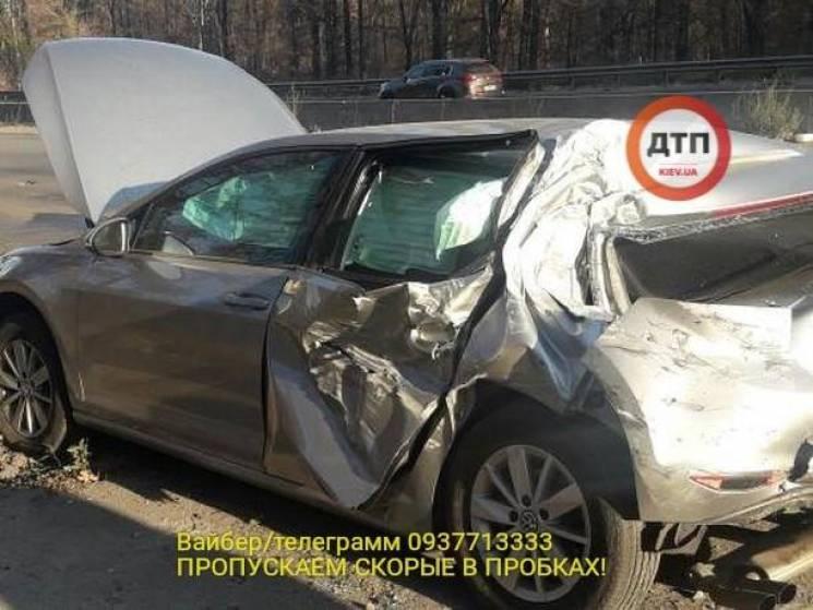 Нардеп Лещенко потрапив у серйозне ДТП в Києві (ФОТО)