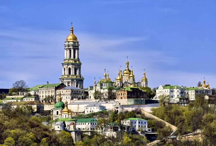 Страсти вокруг Почаевской лавры: Как мон…