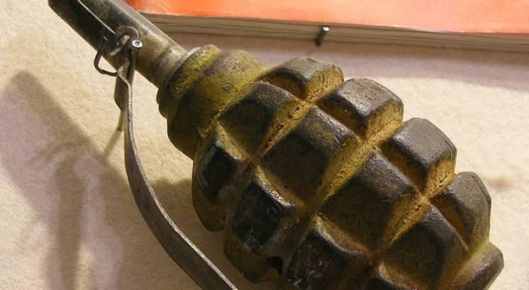 У Запоріжжі невідомий жбурнув в перехожих гранату, є постраждалі