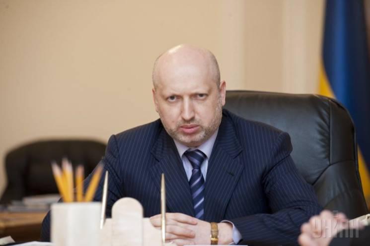 """NewsOne та """"112"""": Турчинов схвалив ідею дозволити Раді складати санкційні списки ЗМІ"""