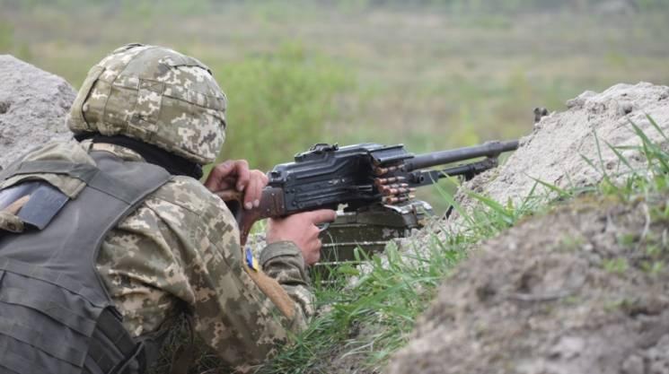 Російські окупанти поранили українського бійця на Приазов'ї