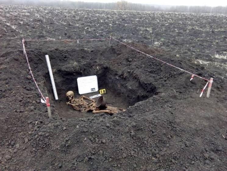 Под Славянском нашли захоронение солдат…