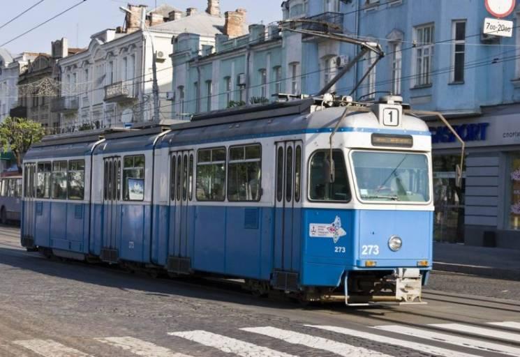 На трамвайних квитках у Вінниці рекламують працевлашування за кордоном (ФОТО)