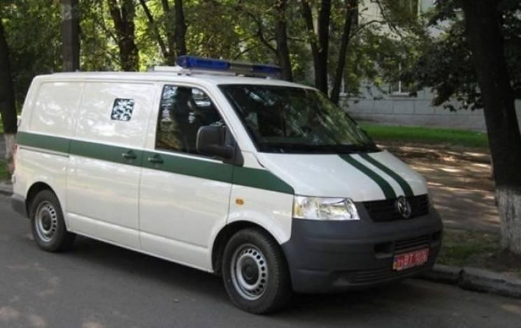 """Напад на інкасаторів """"Приватбанку"""" в Ірпені: Злочинці викрали 1,8 млн грн (ОНОВЛЕНО)"""