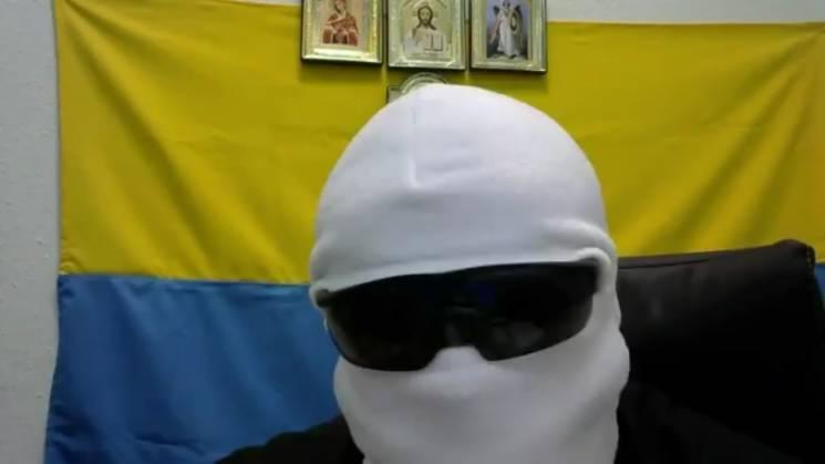 """Мятежник """"белая балаклава"""" обманул маргиналов и не пришел на вече (ВИДЕО)"""