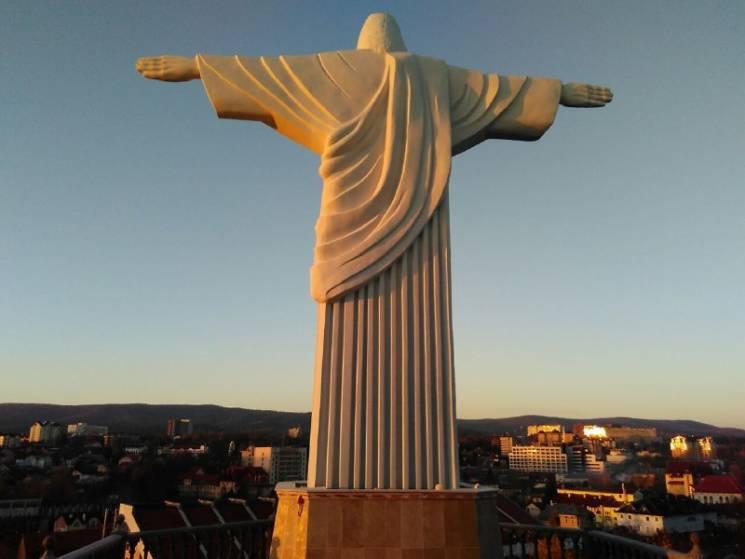Як виглядає найвища в Україні статуя Ісуса Христа (ФОТО, ВІДЕО)