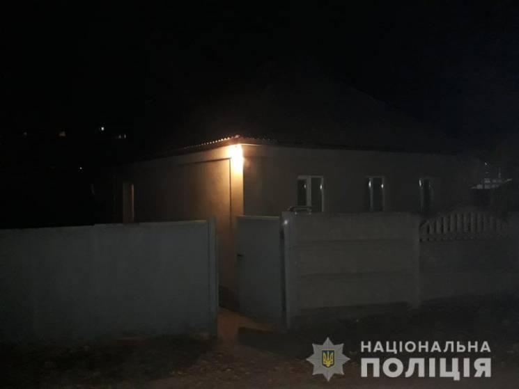 На Харківщині чоловік під час застілля порізав приятеля (ФОТО)