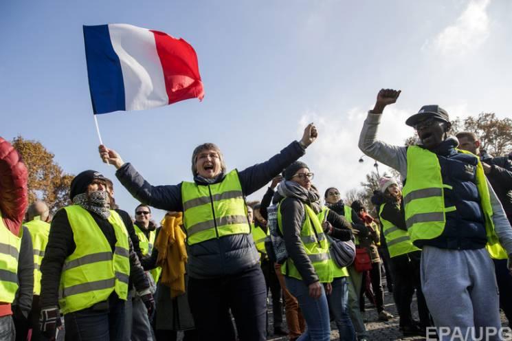 """Європа без голови: Як """"жовті жилети"""" у Франції вдарять по Україні"""