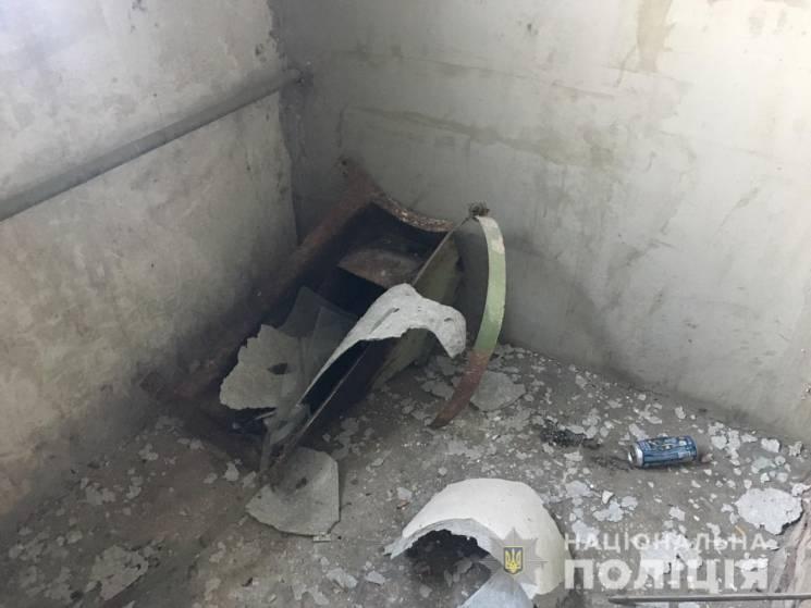 У Харкові в будинку вибухнув сміттєпровід (ФОТО)