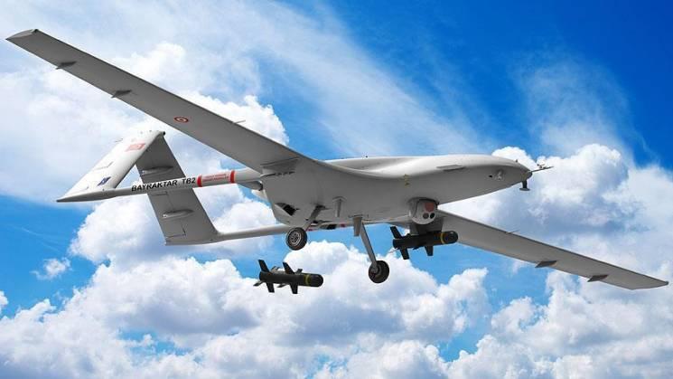 Україна купуватиме в Туреччини ударні дрони Bayraktar TB2