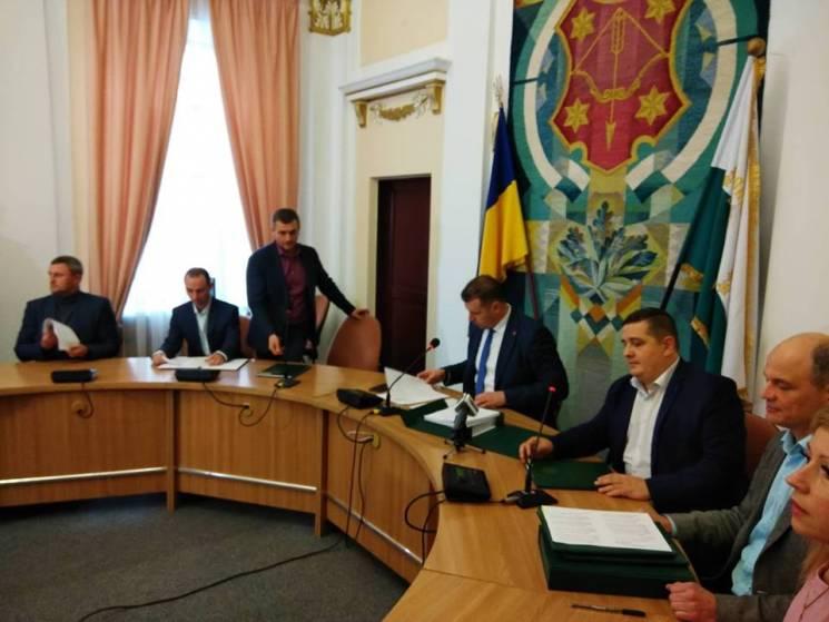 Однопартійців Киви вдалося вгамувати, засідання Полтавського міськвиконкому продовжили