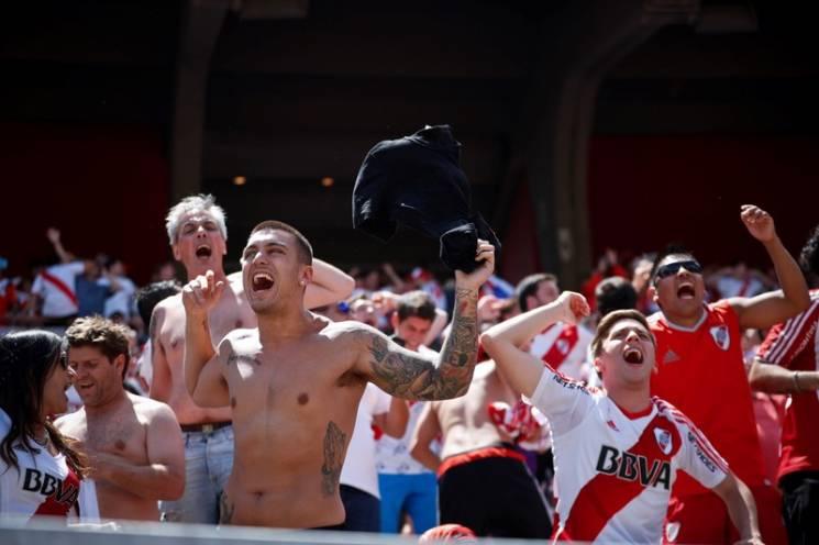 Фанати зірвали фінал Кубка Лібертадорес