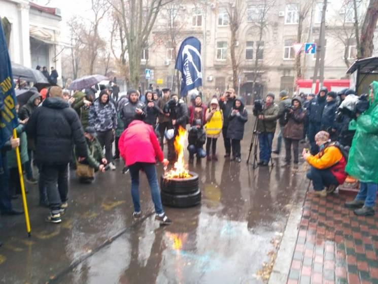 Картинки по запросу у харкові підпалили шини та російський