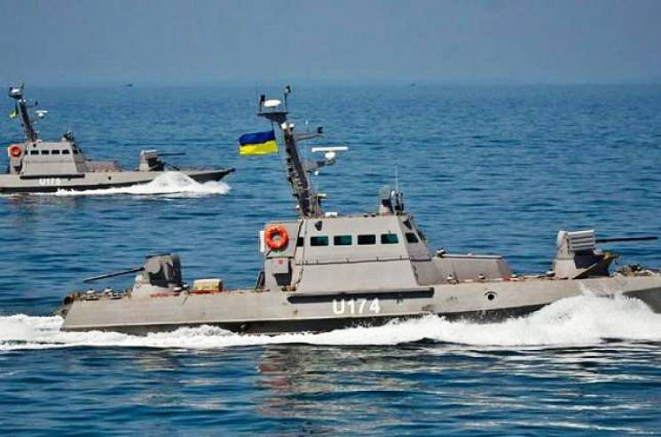 Агресія на Азові: Де зараз полонені українські моряки і що з кораблями