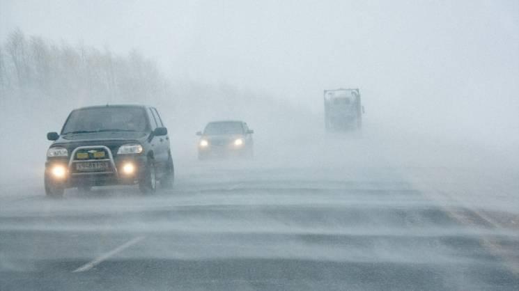 Миколаївців попередили про дощовий вітряний вівторок
