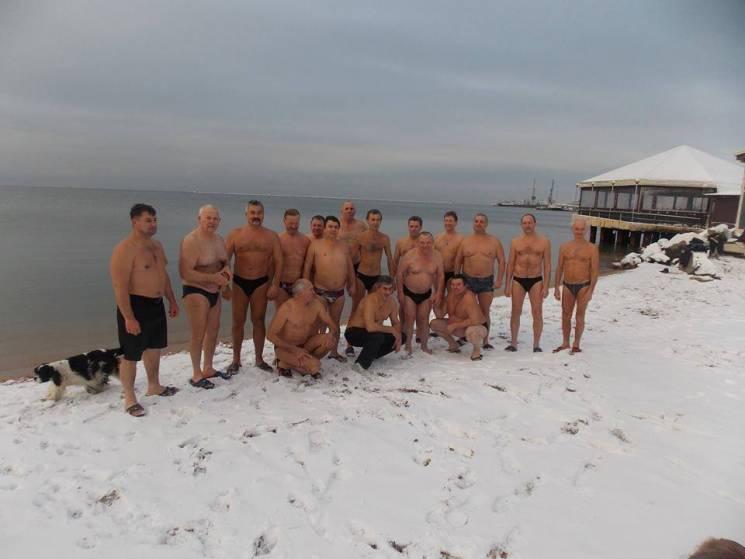 Бердянські моржі оголосили про відкриття сезону зимових запливів
