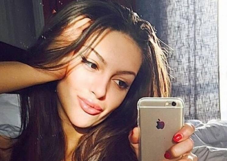 """Король Малайзии взял в жены """"Мисс Москву"""""""