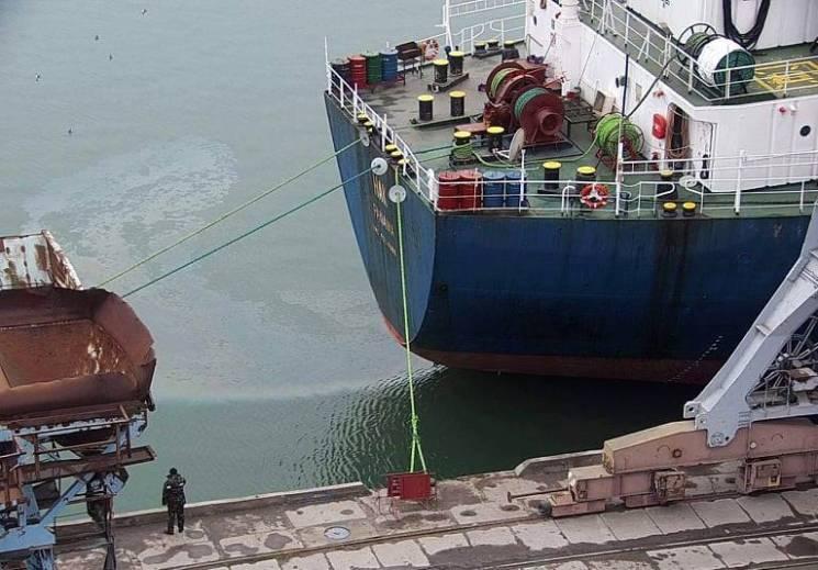 У морі на Запоріжжі виявили п'ятнадцятиметрову маслянисту пляму (ФОТО)