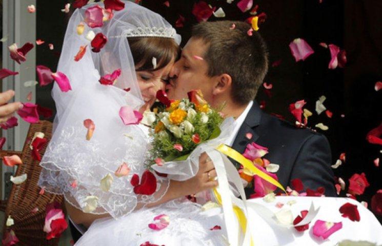 Долар і бензин підняли ціни на весілля
